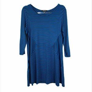Comfy USA Blue Diamond Side Striped Knit Tunic